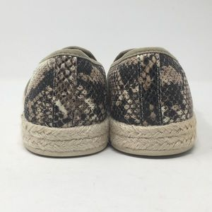 Clarks Shoes - Clarks Womens 6M Snake Print Azella Theoni Loafer